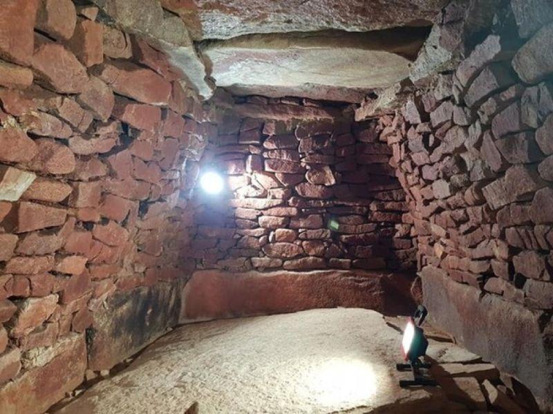 昨年度調査された長鼓山古墳の北部九州系石室